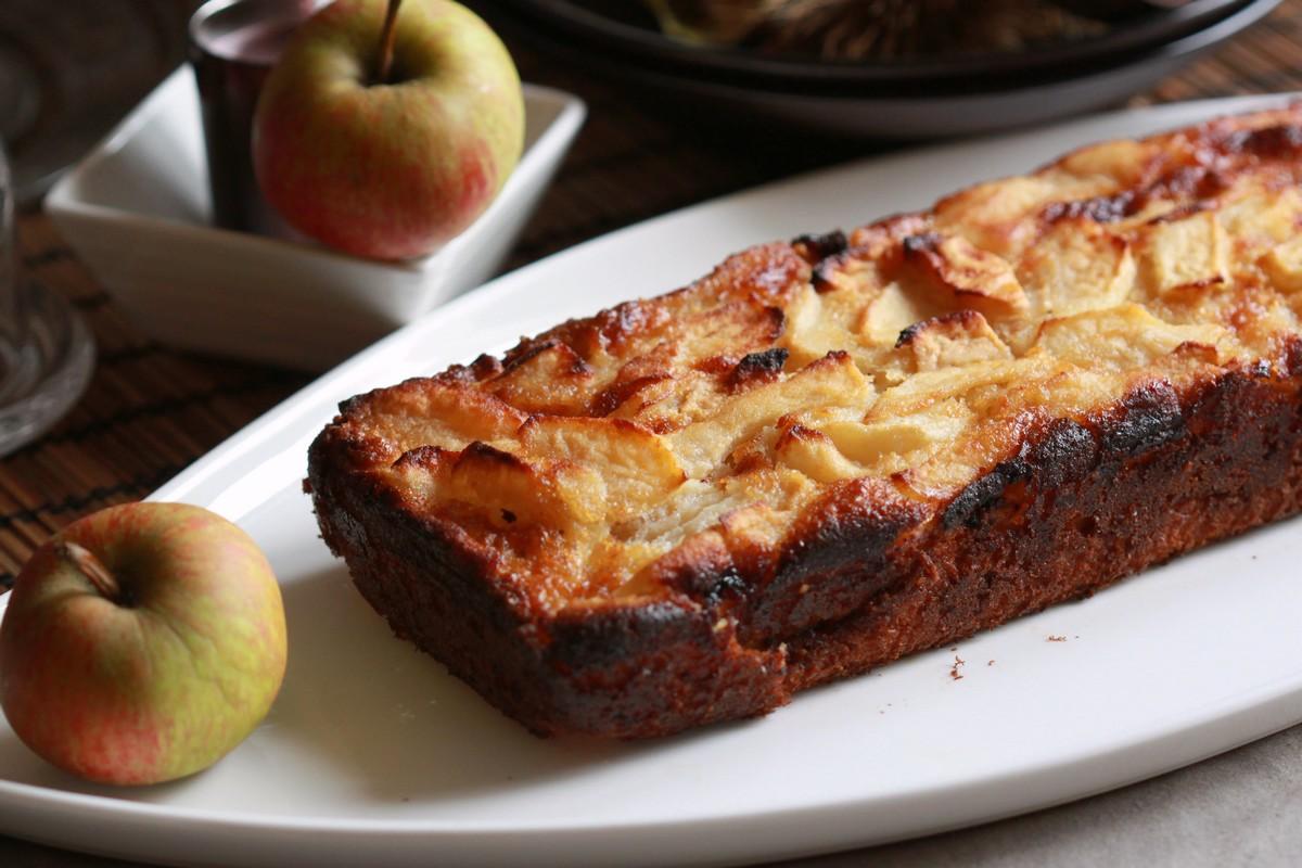 cake moelleux aux pommes et farine de riz chachou 39 s kitchen. Black Bedroom Furniture Sets. Home Design Ideas